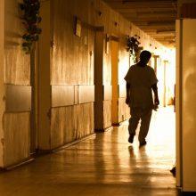 Savo žmoną ir sūnų nužudžiusiam senoliui skirta psichiatrinė ekspertizė