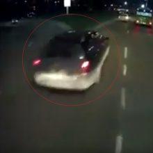 Apie vairuotojus Kaune: kažkas nemato, kažkas stabdžių neturi – taip ir kariaujam
