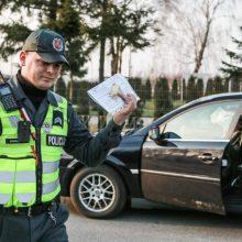 """Pareigūnų nesugundė beveik 3 promiles """"įpūtusio"""" vairuotojo siūlytas 20 eurų kyšis"""