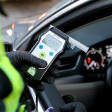 Magistrale prieš eismą važiavęs vairuotojas sukėlė įtarimų – paaiškėjo, kad neblaivus