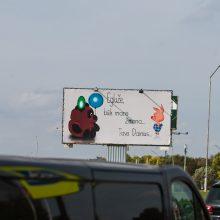 Plakatai sukėlė diskusiją: piršlybos per visą miestą ar apsukri reklama?