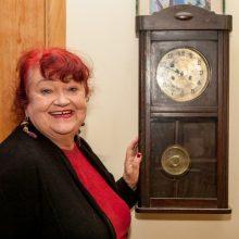 Relikvija: iš senelio paveldėtas sieninis laikrodis H.Šumilaitei primena nuostabias vaikystės dienas.