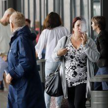 Širsta ant rūkalių Kauno autobusų stotyje: ar čia jokios taisyklės negalioja?