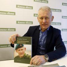 Buvęs kariuomenės vadas rašo naują knygą