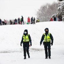 Karantininis žiemos savaitgalis: pareigūnai pramogautojus stebės ne tik Kleboniškyje