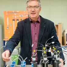 VDU Energetikos ir biotechnologijų inžinerijos instituto profesorius Kęstutis Navickas.
