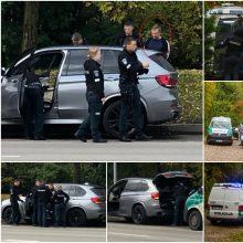 Gausios pareigūnų pajėgos krėtė prabangų BMW ir vairuotojo namus: rasta narkotikų