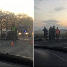 Kauno rajone – smarki automobilių kaktomuša: sužalotas žmogus