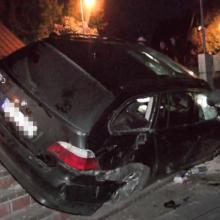 Trakuose BMW rėžėsi į kibininę ir apvirto ant šono