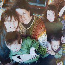 Atsidavimas: mamos širdis apdalijo meile trylika vaikų