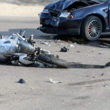 Aleksote susidūrė BMW ir mopedas: nukentėjo dviratę transporto priemonę vairavęs paauglys