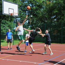 Ringaudų gyventojai sportuoti jau renkasi modernioje sporto aikštelėje