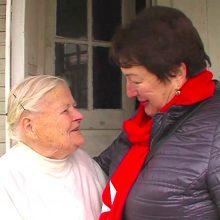 Du žuvusius sūnus ir vyrą palaidojusi 90-metė: skausmą malšinu malda ir prisiminimais