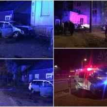 Šančiuose girtas vairuotojas šlavė viską savo kelyje: sustojo tik po smūgio į namą