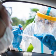 Mokslininkai: jei atsipalaiduosime, kova su virusu nusikels į vasaros antrą pusę