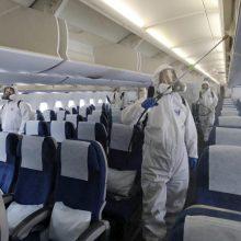 Kritikuoja bilietus į neįvyksiančius skrydžius parduodančias įmones: tai – neetiška