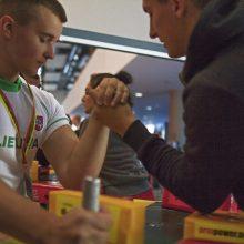 Vilniuje prasideda pasaulio rankų lenkimo čempionatas