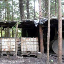 Vilkaviškio rajone aptikta naminės degtinės gamybos įranga