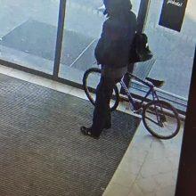 Kaune iš parduotuvės pavogtas dviratis
