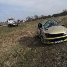 """Kelyje Klaipėda–Palanga vertėsi girto vairuotojo """"Peugeot"""""""