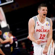 Lenkijos krepšininkai nugalėjo rusus ir atsidūrė per plauką nuo ketvirtfinalio