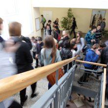 Mokyklų vadovais politikai netaps?