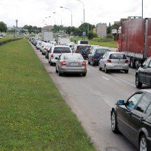 Ministras atskleidė, kada startuos automobilių taršos mažinimo priemonė