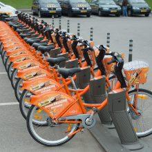 Vilniuje svarstoma įvesti taisykles nuomojamiems paspirtukams ir dviračiams