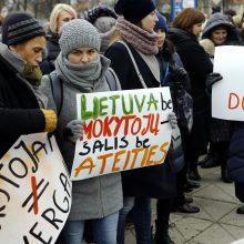 """Tarp mokytojų streiką paskelbusios profsąjungos darbuotojų – """"valstiečių"""" patarėjai"""