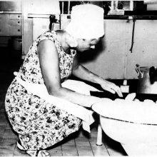 Palepino: L.Ubartienė neretai iškepdavo įgulai pyragėlių su įvairiais įdarais.