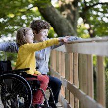 Bendrystė: specialiųjų ugdymosi poreikių ir sveikų vaikų buvimas kartu gali būti naudingas abiem pusėms, tačiau suaugusieji turėtų vadovautis ne tik gražiomis deklaracijomis.