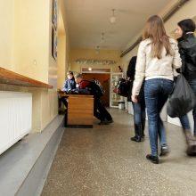 Švenčionyse kandidatai neįleidžiami į mokyklas ir sveikatos priežiūros įstaigas