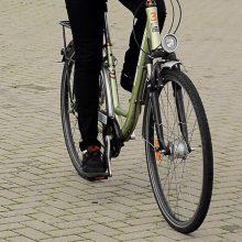 Sunkiai dviratį kelyje valdžiusiam vyrui teks susimokėti nemažą baudą