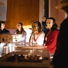 """Festivalio """"Namas Nr. 2"""" uždarymas: žiūrovai bendravo su sielomis"""