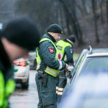 Drausmingiems vairuotojams – pareigūnų sveikinimai, nusižengėlių neužfiksuota