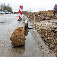 Kas išguldė stulpus Partizanų gatvėje?