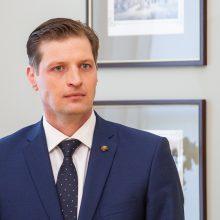 """Ministras apie """"Metrail"""" derybas: kamuolys dabar gamintojų ir importuotojų pusėje"""