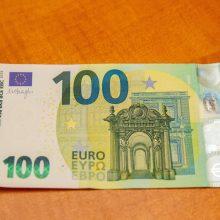 Atliekamų 100 eurų pagunda: lietuviams labiausiai knietėtų juos išleisti