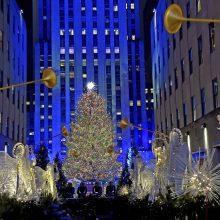 Niujorkas pradeda Kalėdų laukimą: įžiebta garsioji eglė