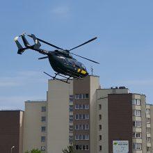 Pasieniečiai sraigtasparniu iš Rygos į Vilnių atskraidino donoro kepenis