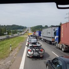 Chaosas autostradoje: dvi avarijos paralyžiavo eismą