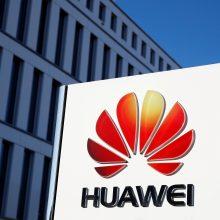 """D. Trumpo patarėjas: JAV politika """"Huawei"""" atžvilgiu nesikeičia"""