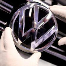 """Dyzelinių automobilių taršos skandalas """"Volkswagen"""" kainavo 30 mlrd. eurų"""