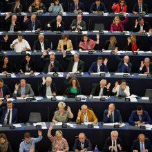 """EP pritarė galimybei vėl atidėti """"Brexit"""" paprašius Londonui"""