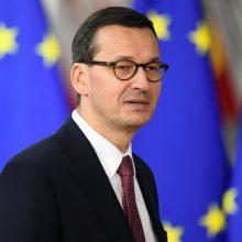 """Lenkija: E. Macrono pareiškimas apie NATO """"smegenų mirtį"""" – pavojingas"""