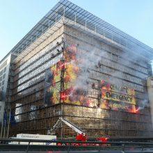 Klimato aktyvistai įkopė į naują ES būstinės pastatą