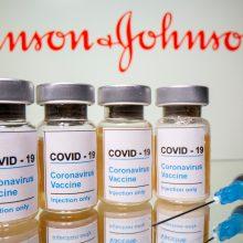 """EVA aiškinasi galimus ryšius tarp """"Johnson & Johnson"""" vakcinos ir krešulių"""