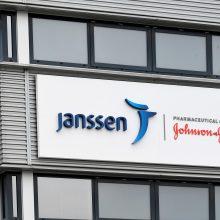"""JAV sprendimas stabdyti skiepijimą """"Johnson & Johnson"""" vakcina paveiks imunizavimo kampaniją"""