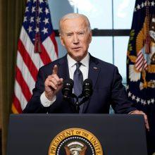 JAV skelbia sankcijas Maskvai: išsiunčia 10 rusų diplomatų