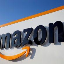 """J. Bezosas pardavė """"Amazon"""" akcijų už beveik 2 mlrd. dolerių"""